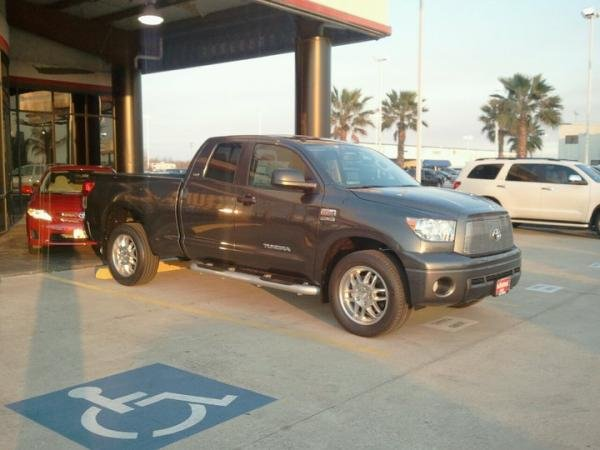 Showcase cover image for jbritan's 2011 Toyota Tundra