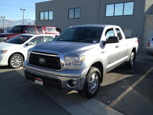 Showcase cover image for roachie's 2012 Toyota Tundra