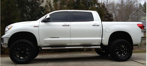 Showcase cover image for Yinzer's 2012 Toyota Tundra
