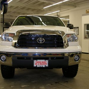 "2007 Toyota Tundra with Revtek 2.5"" Lift"